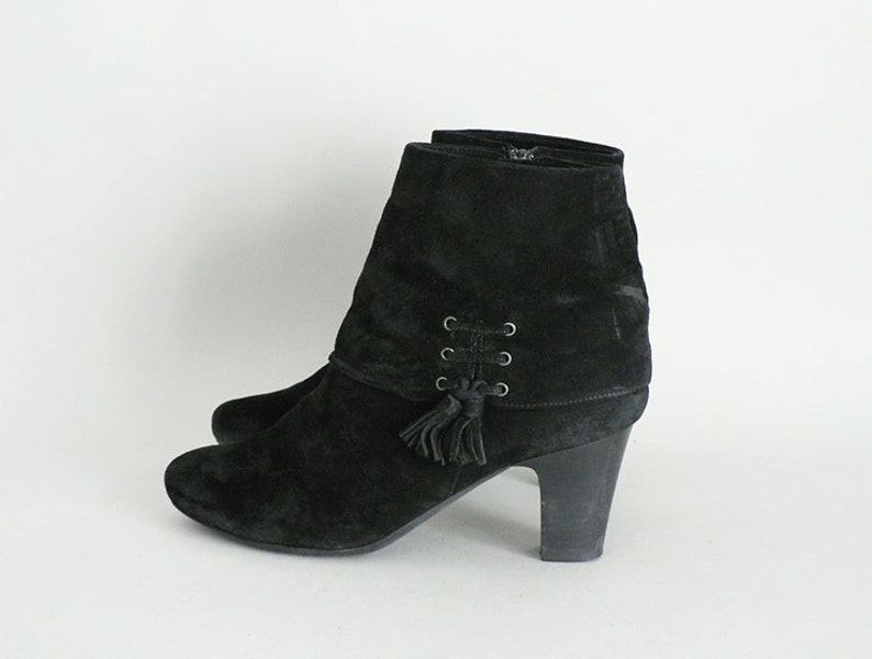 Women 8 Black Leather Ankle Booties