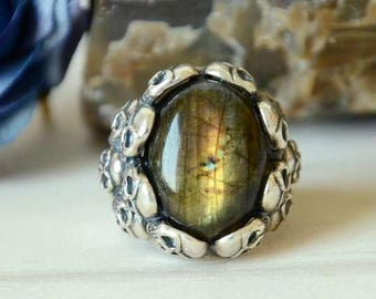 Mens Ring,Labradorite Ring,Sterling Silver Ring,Adjustable Size Ring,Crystals Ring,Gift for Him, Skull Gothic Ring  LR1219070