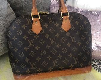 9e65f3021554 Louis Vuitton 100% Authentic Alma Bag. Beautiful Vintage Ladies Handbag.  Authenticity Guaranteed. Made In France. Designer LV