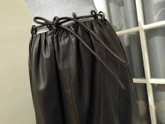 GUCCI leather skirt by Tom Ford - Stunning runway