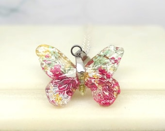 Butterfly necklace with real flowers, handmade real flower jewelry, butterfly pendant