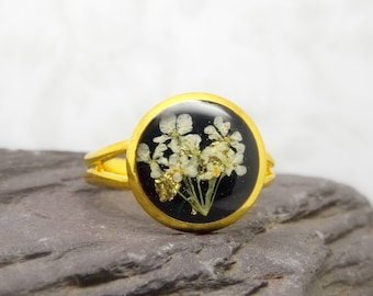 Real flower ring, unique adjustable ring, handmade ring, real flower jewellery, gift for her, terrarium ring