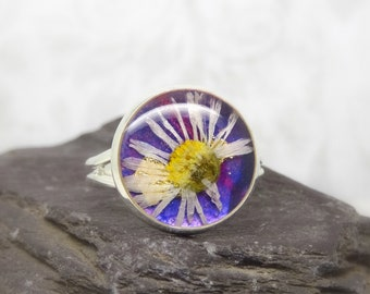 Real flower ring, Daisy ring, unique adjustable ring, handmade real flower jewellery, resin jewelry