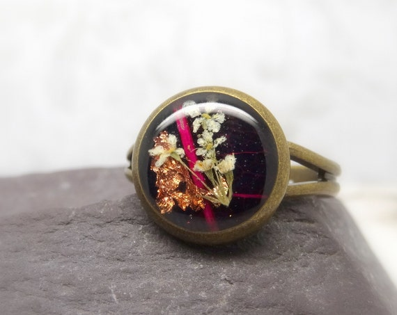 Real flower ring, unique adjustable ring, handmade ring, real flower jewelry, resin jewellery, preserved flowers, pressed flowers