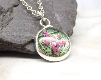 Real flower necklace, dry flower, queen Anne's lace, unique gift, nature gifts, botanical jewellery, minimalist, terrarium necklace