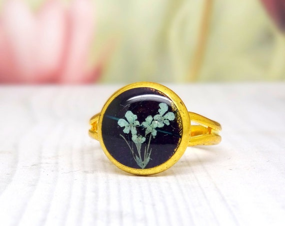 Real flower ring, unique adjustable ring, handmade real flower jewellery, resin jewellery, unique gift for her, terrarium ring