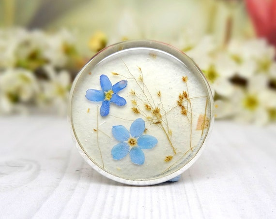 Real Forget Me Not pin brooch, pressed flower gifts, keepsake, remember me, real flower jewelry and accessories, gifts for nature lovers