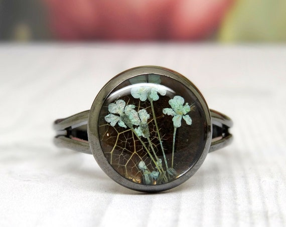 Real flower ring, adjustable ring, handmade real flower jewellery, vegan friendly gifts, pressed flower gifts, unique gift ideas for her