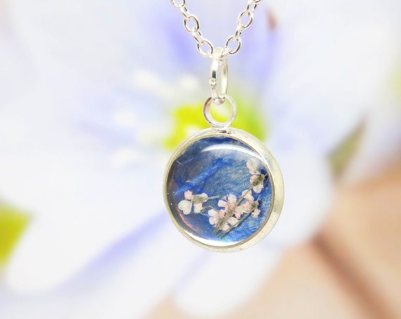 Real flower necklace, dry flower, queen Anne's lace, boho necklace, gift for her, nature gifts, botanical jewellery, 24k gold flakes