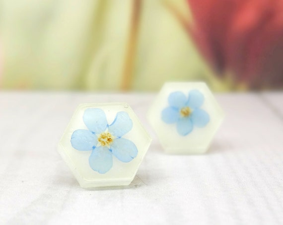 Forget me Nots Earrings - Hexagon - Real Flower Earrings, Something Blue, Floral Jewelry, Pressed Flower Earrings, Resin Earrings