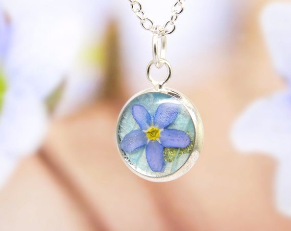 Forget me not necklace, real flower necklace, unique gift, personalised floral jewellery, terrarium necklace, pressed flowers jewelry