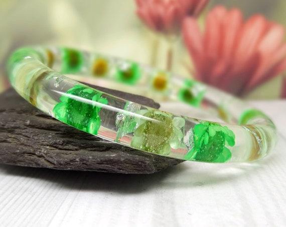 Real flower bangle, real flower bracelet, Daisy real flower jewellery, resin jewelry, pressed flowers bangle bracelet