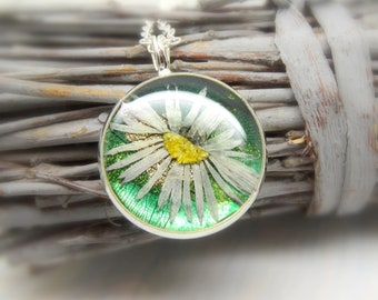 Daisy necklace, real flower necklace, pressed flowers jewellery, handmade necklace, unique gift for nature lovers