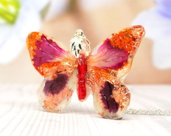 Butterfly necklace with real flowers, carnation petals, real flower necklace, real flower jewellery, butterfly pendant, unique gif ideas
