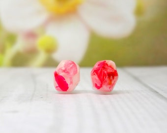 Real flower stud earrings, real flower jewellery, vegan friendly jewellery, unique gift for her, bridesmaid gift, minimalist jewellery
