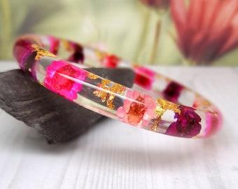 Real flower bangle, real flower bracelet, daisy real flower jewellery, resin jewelry, pressed flowers bangle bracelet, botanical jewelry