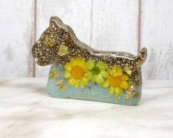 Real flower brooch, scottie dog brooch, real flower accessories, pressed flowers brooch, dog brooch pin