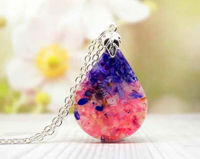 Daisy petals necklace