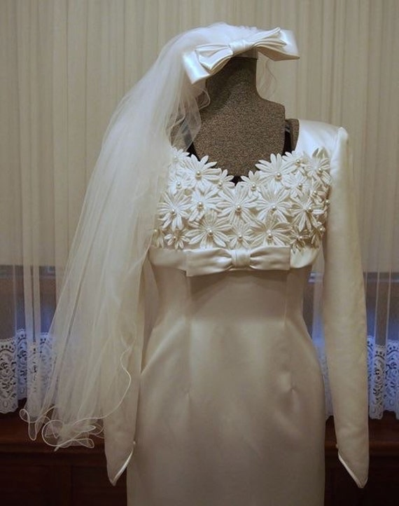Classic 60s sheath vintage wedding dress