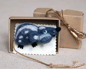 Grey wool rat stuffed animal brooch, mouse rat needle felt jewelry, kids birthday gift rat brooch, Christmas brooch gift rat