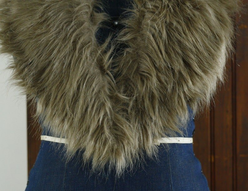 fluffy clay taupe large faux fur collar  removeable detachable coat collar