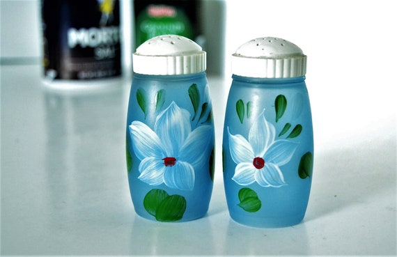 Frosted Blue Hand Painted Salt /& Pepper Shakers from Bartlett Collins