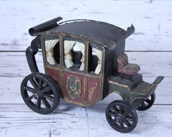 Vintage Sterling Industries Collectible Horse Drawn Carriage