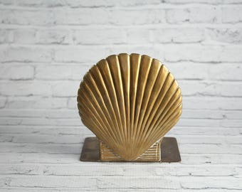 Vintage Brass Scallop Shell Bookend Authentic Mid-Century Weighted With Patina Book 1960s Tropical Beach Tiki Coastal Theme Bookshelf Decor