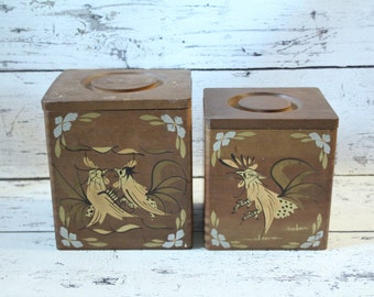 Vintage Tilso Roosters Set of 2 Wood Canisters Sugar & Flour Dovetailed Corners Hand Painted Gold Silver Black Made in Japan Farm Nesting