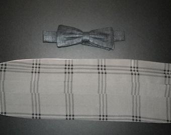 """Elegant grey plaid 1980s pure silk cummerbund and graphite raw silk bow tie set,fits 14""""to 20"""" neck 32"""" to 42"""" waist, beautiful elegant gift"""