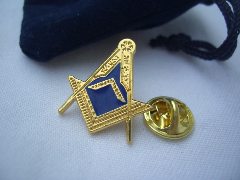 Masonic Freemason Lodge Officer Worshipful Master WM Square Lapel Pin Plus  Gift Pouch