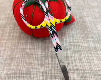 Modern geometric embroidery scissors - multicolor chevron - cross stitch sewing embroidery - 4 inch sewing scissors