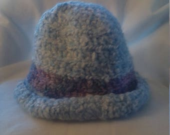 Rolled brim hat in heavenly blue with a purple stripe