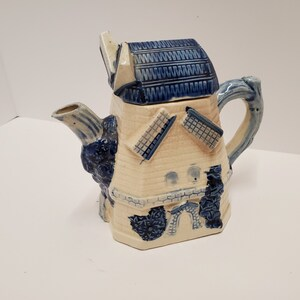 Charming Vintage Windmill Teapot with Six Matching Cups Glasses Made in Japan 1950/'s Collectible Set Gift Ideas