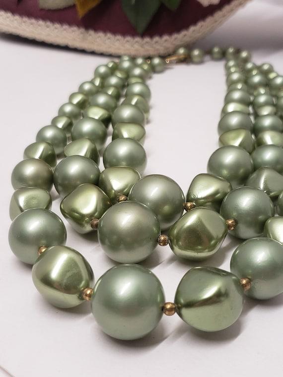 Gorgeous Vintage Green 3 Strand Faux Pearl Neckla… - image 2