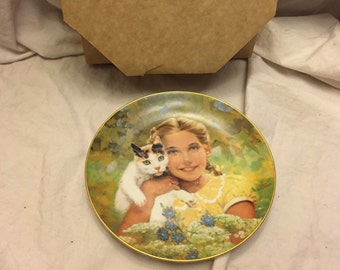 Royal Windsor Innocence by Jack woodson collectors plate 1984 Girl with a cat