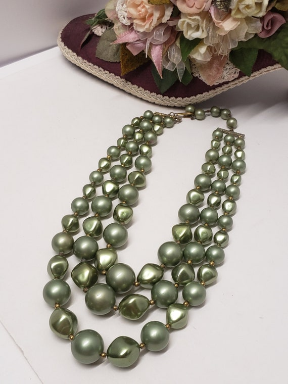 Gorgeous Vintage Green 3 Strand Faux Pearl Neckla… - image 1