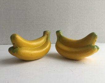 Mid Century Fun Kitchen Kitsch Ceramic Banana Salt & Pepper Shakers VTG