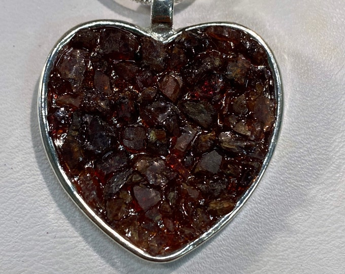 Raw Garnet Chipped Heart Silver Plated Pendant
