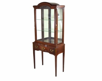 Vintage Federal Style Mahogany Curio Cabinet w Side Doors & Mirrored Back