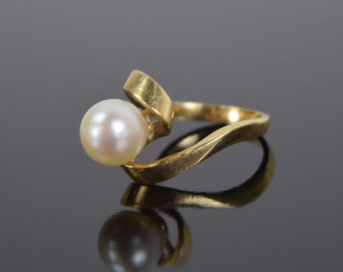 Estate Mid-Century Modern 14k Solid Yellow Gold Biomorphic Ring with Pearl Solitaire