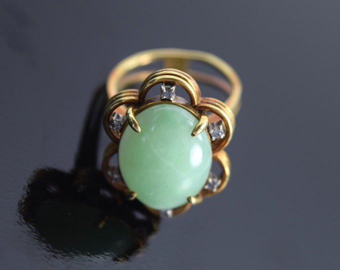 Vintage Estate 14k Solid Yellow Gold Jade Cabochon Ring w Diamonds