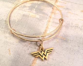 Wonder Woman bracelet, charm bracelet, Wonder Woman gold bracelet, adjustable bangle bracelet, supermom gift, for mother, super mom