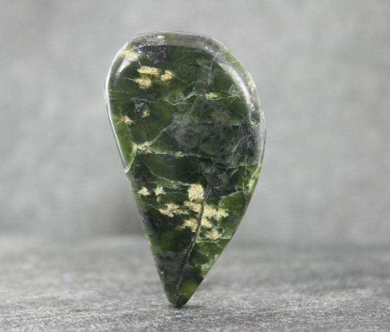 Snake Stone Loose Stone Cabochon Jewelry Gemstone Cabochon Pendant Stone Mottled Green /& Gold Serpentine Serpentine Cabochon