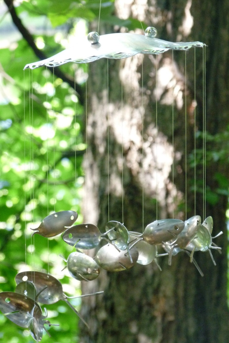Ornate Delicately Patterned Trifoot Serving Plate /& Spiral School of Spoon Fish Windchime-Happy Anniversary Gift-Perfect for the Special One