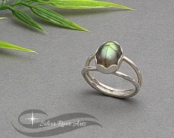 Labradorite Split Shank Ring Green Gold Flash