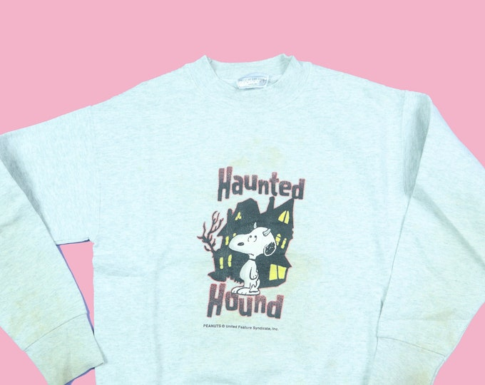 Haunted Hound Snoopy Halloween Peanuts Charlie Brown 1990's Vintage Kids Sweatshirt