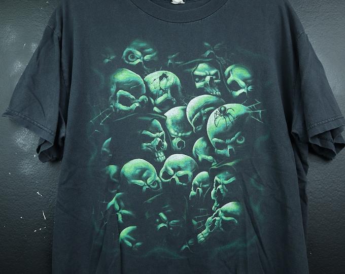 Green Skulls 2000's vintage Tshirt