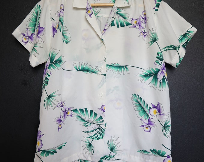 White & Purple Floral Hawaiian 1980's Vintage Shirt