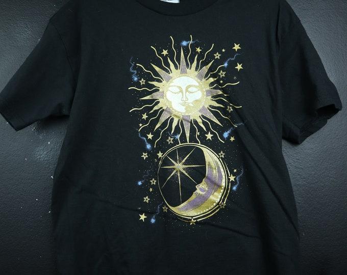 Gold Sun & Moon Zodiac 1990s Vintage Tshirt
